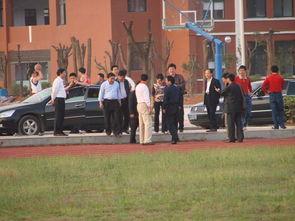湖北咸宁崇阳的女人-咸宁学院领导来我校参观 -湖北省崇阳县城关中学