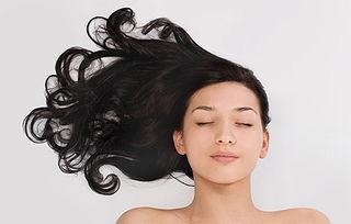 如何才能让头发由白变黑 这样做重现乌黑亮丽秀发 病患养生 都市