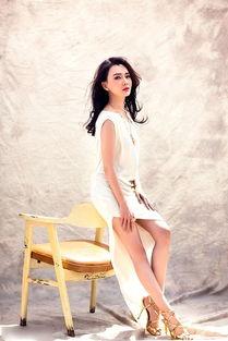 陈数妖娆写真露性感长腿女人味十足
