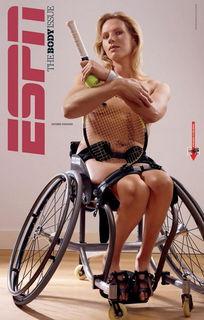 ...位著名运动员拍全裸写真展现人体美-美国20位著名运动员人体艺术写...