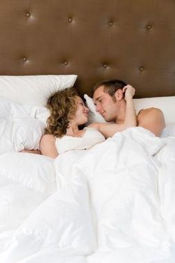 谨记男女性欲最强的时间段 让性爱更合拍