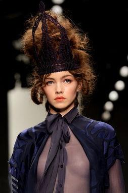 ...有思维中,如此大尺度装扮只能属于天生婀娜性感的欧美女性,如今...