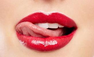 牙齿上长个肉疙瘩早上舌头疙瘩两边特别多