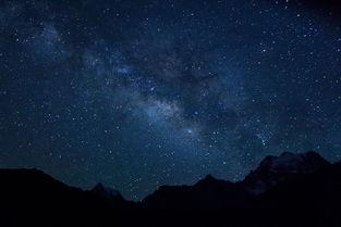 仰望夜空-闪亮的星星