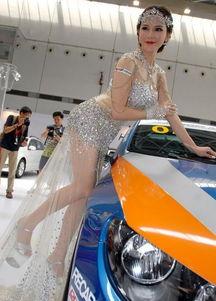 ...,中法混血超模宛恩亮相第二届广西国际汽车文化节.宛恩穿透视...