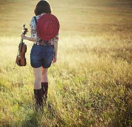 唯美背影空间素材 孤单一人留下的只是背影