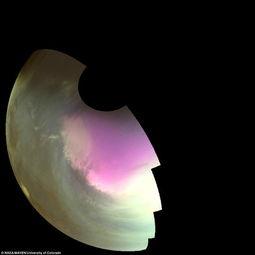 ...年7月10日由MAVEN飞船拍摄的火星南极附近地区的紫外波段影像,...