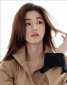 +深栗色   亚洲女性大部分都是偏黄色的肤质,因此棕色、摩卡色、巧...