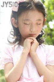 ...科 东方王府 五月有爱 宝贝摄影秀,亲给103号 王吉吉天 投个票,谢...