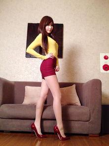 游戏里骚逼的美女-90后台湾女孩张小筑做游戏主播 美腿是她傲人的资本