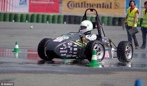 ...界首辆3D打印赛车 最高时速141公里