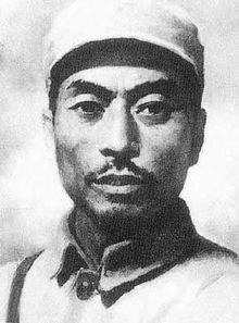 金日成在回忆录《与世纪同行》中深情地写道: