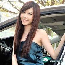 张景岚为《GQ》拍摄一系列的性感照,她坦言还没跟家人报备,由于...