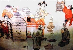 春秋盗家-3件,其中包括春秋时期的鼎、觥、钱币和兵器等,这些文物