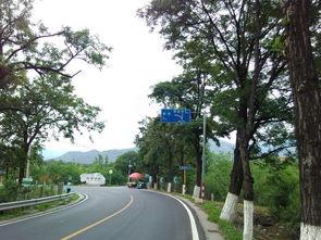 沿着昌赤路行可前往庆陵、裕陵、茂陵、泰陵等;   在此选择直行过...