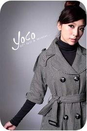 层层叠叠的穿法很有混搭的感觉,灰色+黑色凸显女人的成熟韵味,桃...