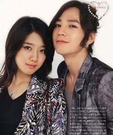 朴信惠,韩国女演员,与张根硕合作的《原来是美男》被人们所熟知,...