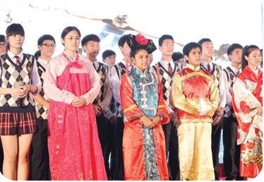 韩日汉语班级多国语言合唱《手拉手》-海亮集团有限公司
