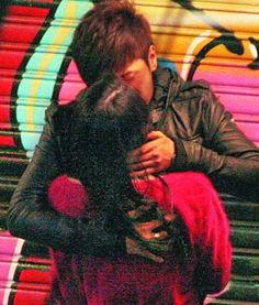 五月丁香啪啪激视频-熊抱   小猪在《Hot Shot》大秀高难度舞步,而在新歌《搞笑》的MV中...