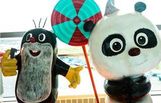 《熊猫与小鼹鼠》动漫形象-从这里甜蜜启程 西安咸阳国际机场举办动...