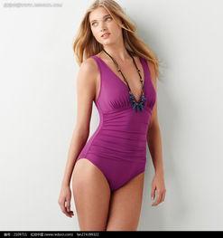 穿紫色 连体泳衣 的外国 美女 图片 女性女人图片