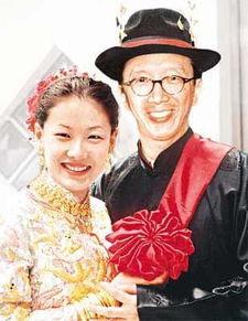 ...大自己26岁的老头 生完孩子后她说出真相,嫁给外国老头女孩 体育...