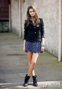 欧美街拍 小西装+包臀短裙 Look 1-小西装搭包臀裙 演绎干练职场女王