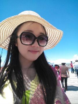 李雨婷,现任外国语学院第12届团委学生会团委副书记,来自外国语学...