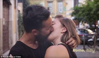 ...镜头记录下各国情侣不同的亲吻方式.当中有激情