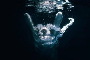 新世纪福音战士 绫波丽EVA水下幻美COS图片