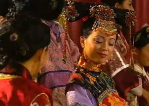怨孽校园-宫中选秀时,如妃穿了和皇后同色的衣服,她的表情在挑衅皇后她就是...