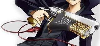 出特点一个就是锁骨上的纹身还有一个就是他的枪,进一步说,