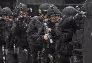 ...亚国民警察反恐特别行动小组隐蔽进攻-哥伦比亚特警反恐分队武器精...