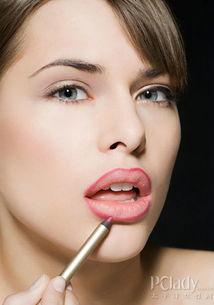 帮学姐的忙通肛门-[整形美容]   眉毛缺损?眉毛种植帮你忙   眉毛起到保护眼睛的作用,并...