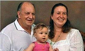 强奸伦奸快播-2008年3月,澳大利亚南澳州一对父女日前走上电视公开了两人相恋并...