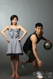 ...张庆鹏 指点 篮球国手拍写真 图