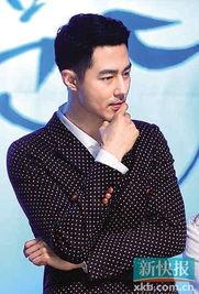 韩国男演员赵仁成日前在拍摄SBS电视剧《那年冬天,风在吹》途中...