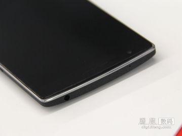 一加手机是前OPPO前领军人刘作虎创立的全新品牌,该机主打外观...