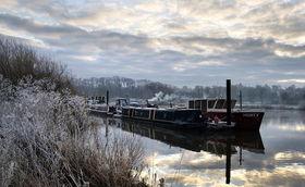 ...冷的日子 英国大地披上寒霜
