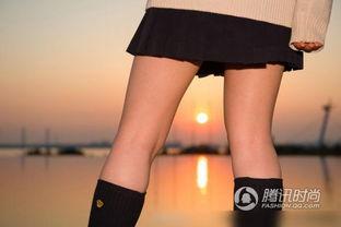 ... 大腿摄影展 学生妹上演黑丝诱惑