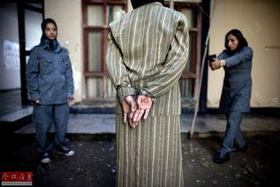 沦陷警花林欣儿-富汗多个省份有沦陷危险 战乱或波...  威严的阿富汗女警官.   在警察队...
