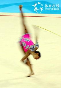 人民网北京12月5日电 记者徐岩冰摄影报道:今天晚上,2007艺术体操...