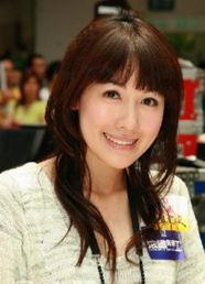 李诗韵(英文名:Selena Li,1981年2月12日-),于2003年参选香港小...