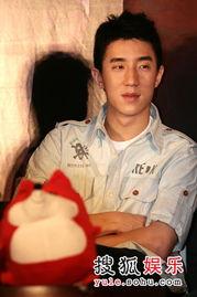 祖蛮-搜狐娱乐讯 7月17日,《男儿本色》的主创人员在北京召开了首映发布...
