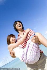 ...论是在私底下,还是在公共场合,他总喜欢去取悦一些漂亮的女人,...