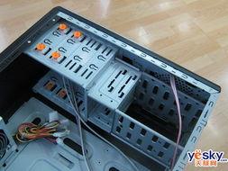 ...2个软驱和4个光驱,容量十分大,十分适合多存储设备的用户.-机箱...