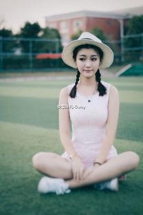 ...校花只喝露水的小仙女李李在微博晒出自拍,高挑身材的她被网友...
