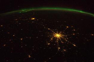 泛幻-提示:支持← →箭头翻页   2014年,格斯特在国际空间站工作了6个月...