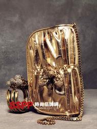 闪皮蛇-罗伯特・卡沃利 (Roberto Cavalli) 是时装界、艺术界、现在更扩展到...