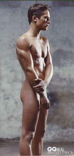 ...利真人版 欧美性感肌肉男极限诱惑